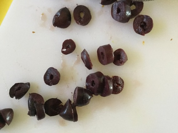 Sliced olives